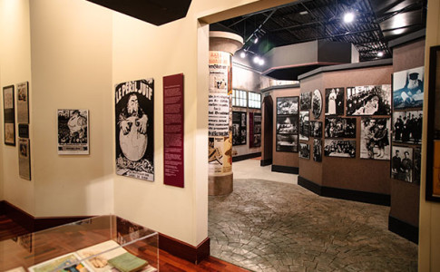 Breman Museum Holocaust Exhibition 600x400.jpg
