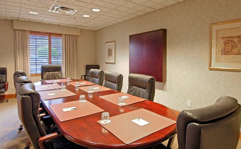 wingate-business room