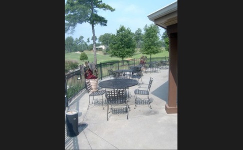 table-and-chairs-at-clubhouse