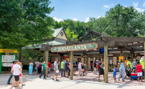 Atlanta-Zoo-Atlanta-Entrance-550x367