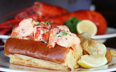 Fresh Maine Lobster Roll.jpg