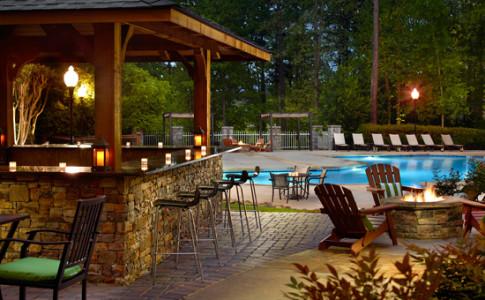 Pool bar 550x367.jpg