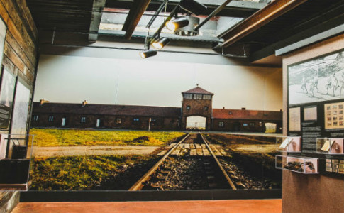 550x367 - Message Board - ACVC Railroad tracks.jpg