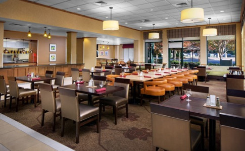 restaurant2016 550px lobbybar 550px atlgi lobby 550px hilton garden inn - Hilton Garden Inn Atlanta