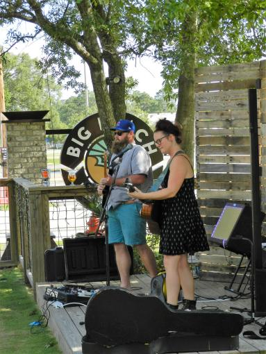 Live Music: The Bell and the Bull