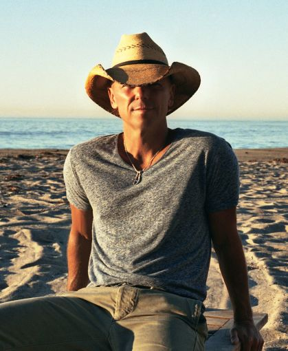 Kenny Chesney Songs For The Saints Tour 2019 with special guests David Lee Murphy & Caroline Jones