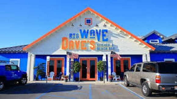 Big Wave Dave's Beach Bar & Kitchen