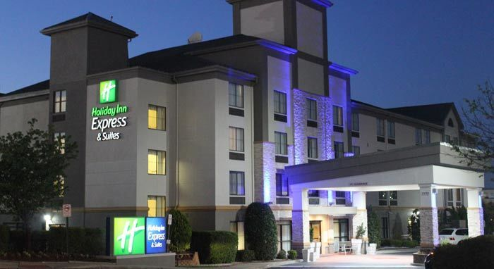 Holiday Inn Express & Suites Charlotte/Concord