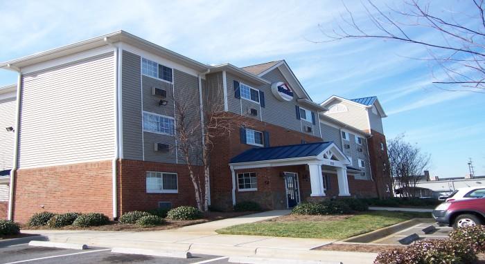 HomeTowne Studios & Suites Charlotte/Concord