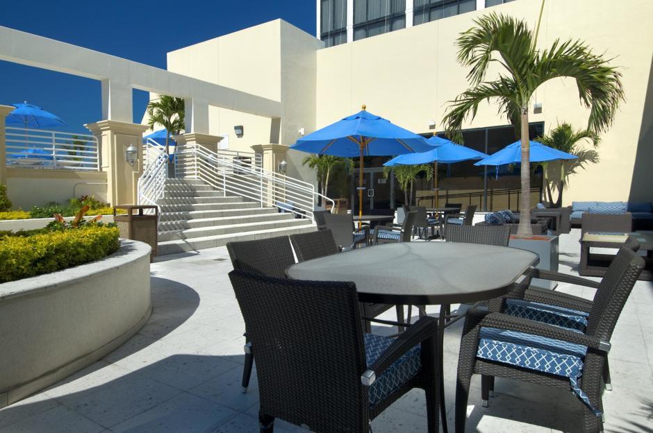 Hilton Miami Downtown Miami Hotels Miamiandbeaches Com