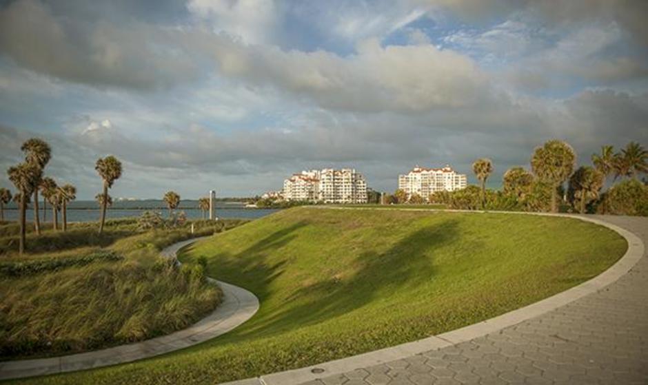 Miami Beach South Pointe Park Miami Beaches