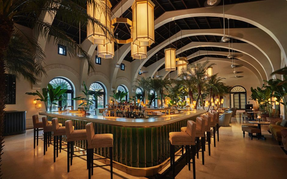 Four Seasons Hotel At The Surf Club Miami Hotels