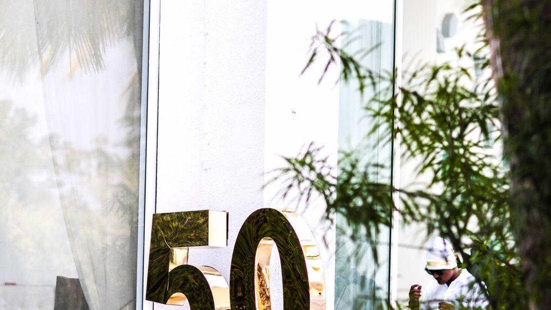 50th Decor 1