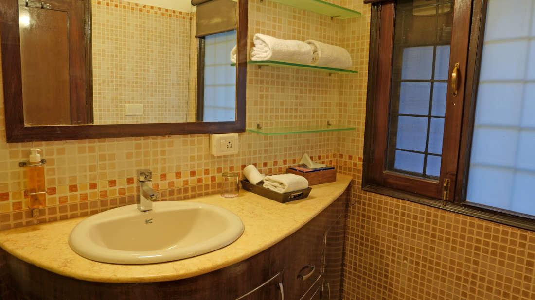 102 Bamboo Bathroom