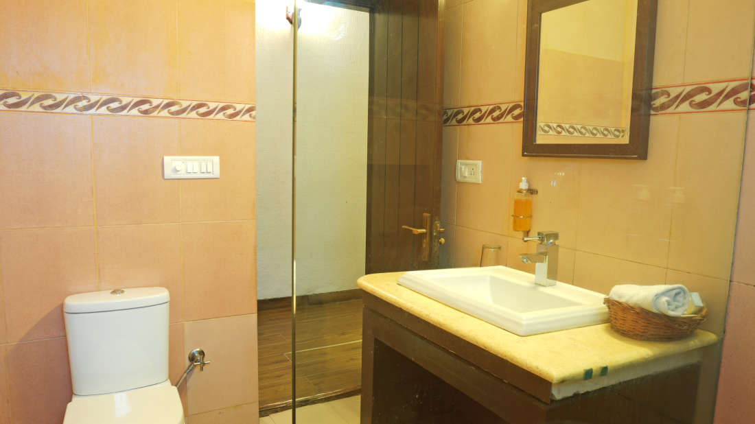 108 volga bathroom