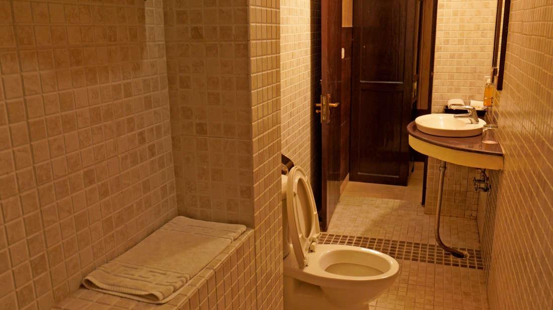 115 siene Bathroom 2