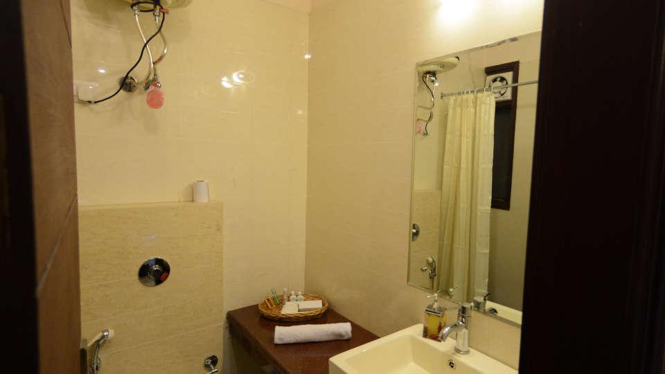 Hotel Royal Sapphire, Gurgaon Gurgaon Luxury Room 2 Hotel Royal Sapphire Gurgaon