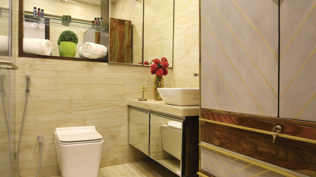 Bathroom 1, Serviced Apartments in Khar, Rooms in Khar, Hotels in Khar  2