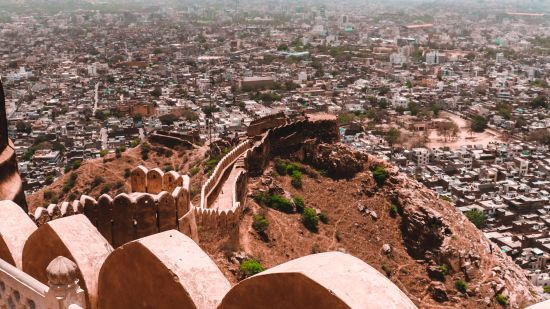 scenic-view-of-nahargarh-fort-during-daytime-2588193