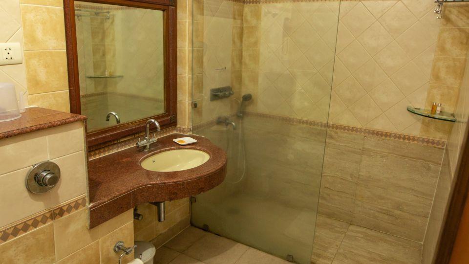 Twin Bed Executive Suite at Hotel Vasundhara Palace Rishikesh 10