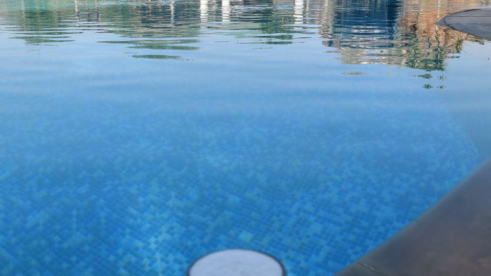ranthambore stay, swimming pool  2