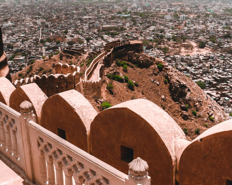alt-text scenic-view-of-nahargarh-fort-during-daytime-2588193