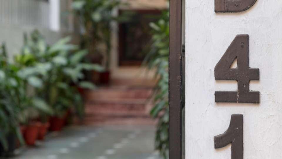 Best Hotel In Delhi, Colonels Retreat , Hotels In South Delhi