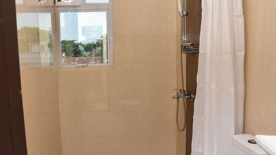 Central Courtyard Boutique Resort, Siliguri Siliguri Bath room01