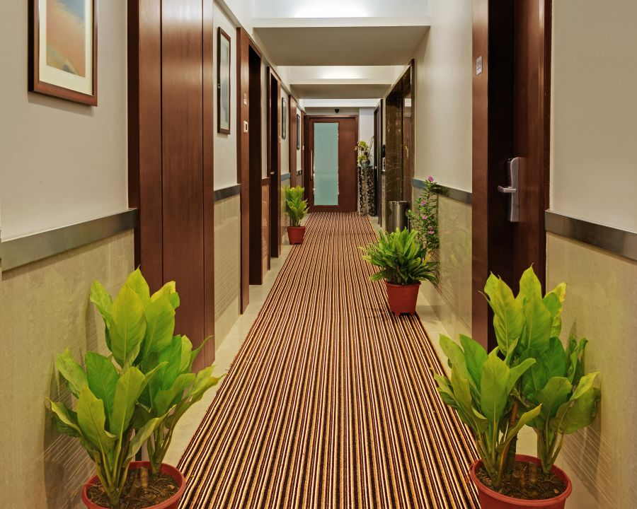 alt-text Room Corridor