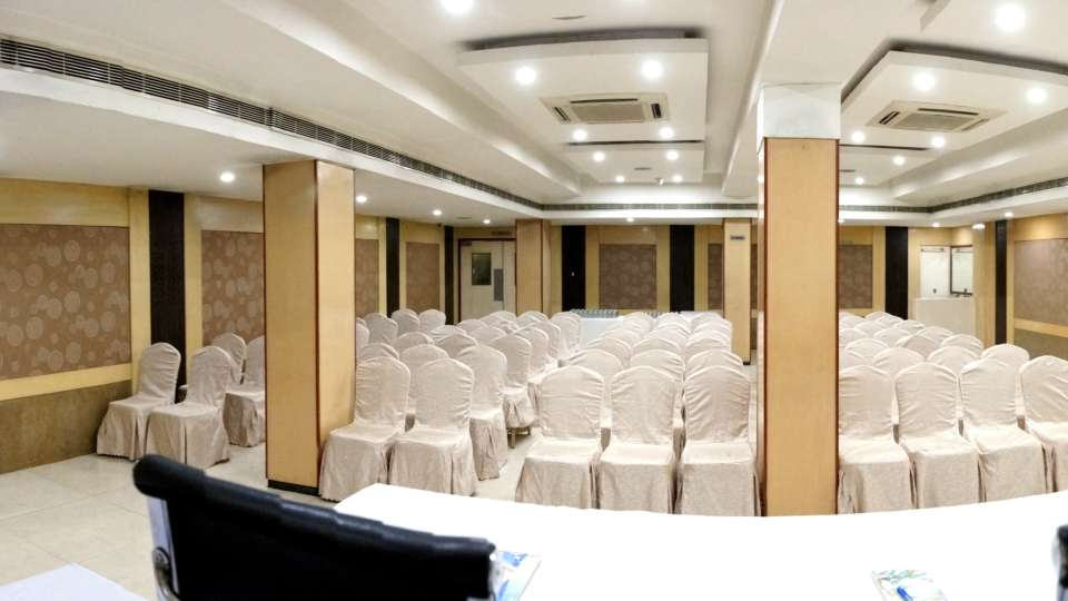 Banquet Halls at Hotel Geetha Regency in Guntur 11