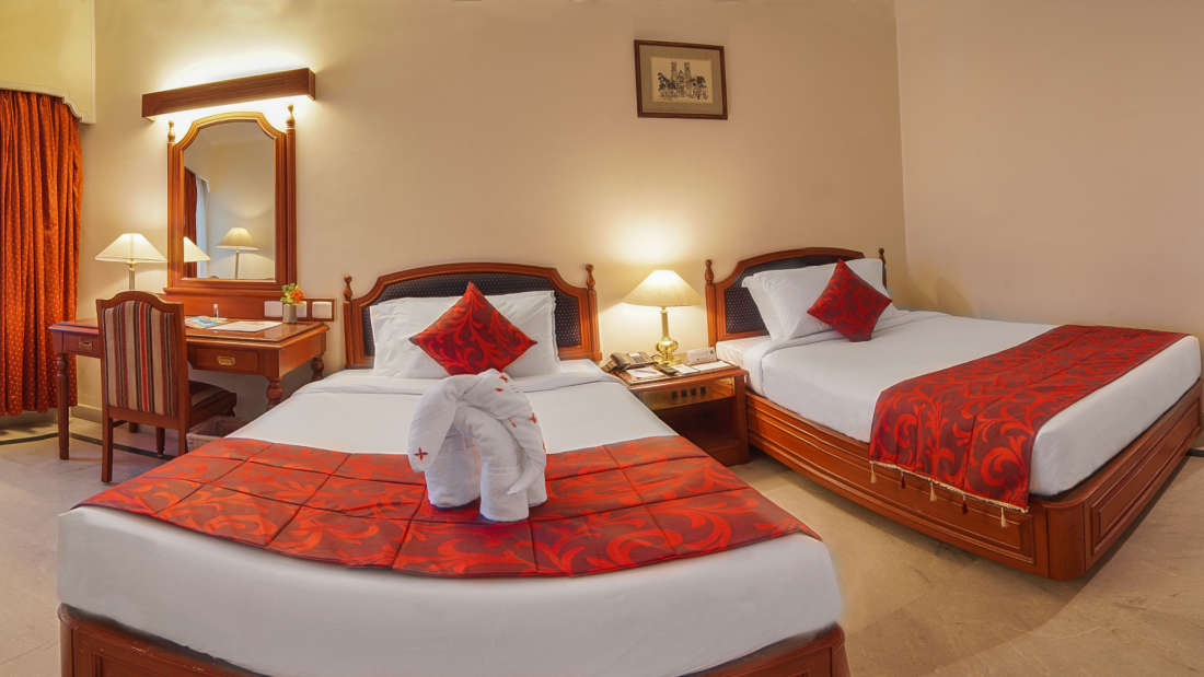 Hotel Annamalai International, Pondicherry Pondicherry Premium Room - Twin Bed Hotel Annamalai International Pondicherry 3