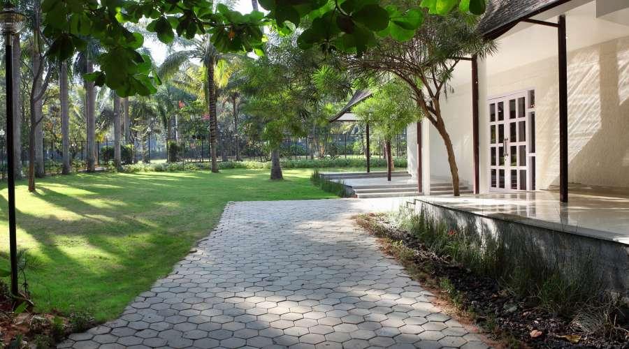 alt-text Royalton Leisure Resort Spa Bangalore48 exterior