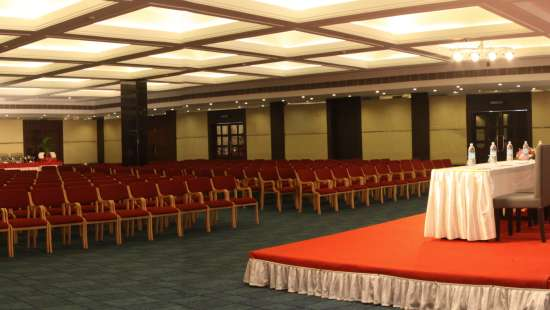 abhi hall at gokulam park and convention centre kochi, confreence halls in kochi 1