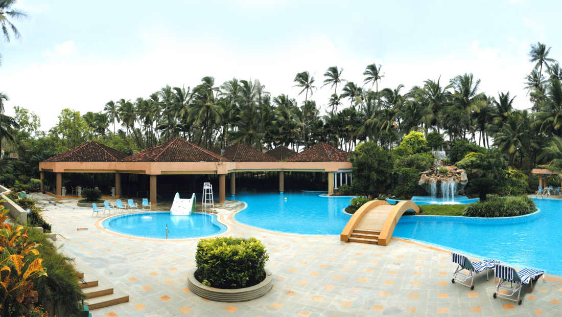Lagoon The Pool Cafe at The Retreat Hotel and Convention Centre Madh Island Mumbai - Coffee Shops in Madh Island