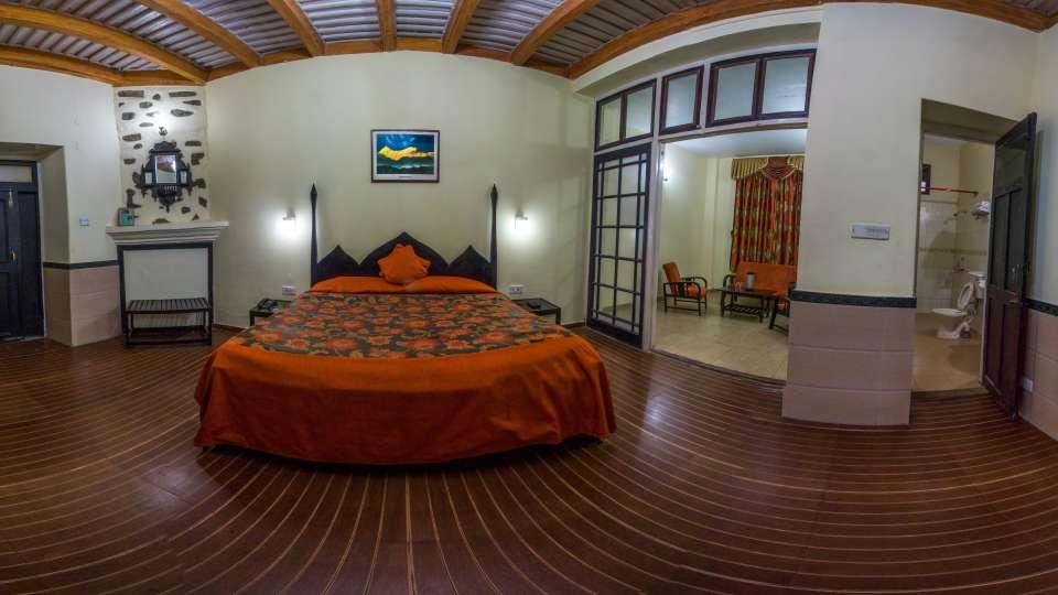The Pavilion Hotel, Nainital Nainital Balcony Room The Pavilion Hotel Nainital 1
