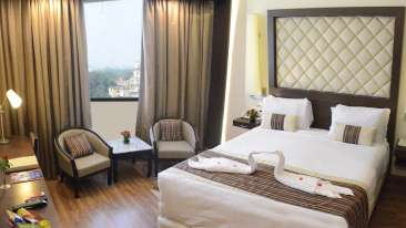 hotel rooms in Lucknow, Club Room at Clarks Avadh, hotel near gomti river in Lucknow, Luknow Hotel 4