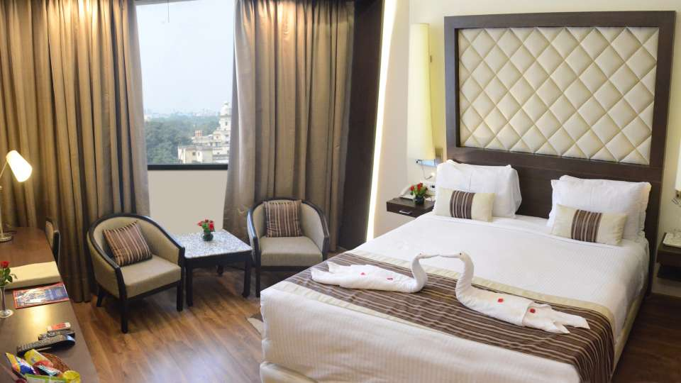 Club Room at Clarks Avadh, hotel near gomti river in Lucknow, Luknow Hotel 4