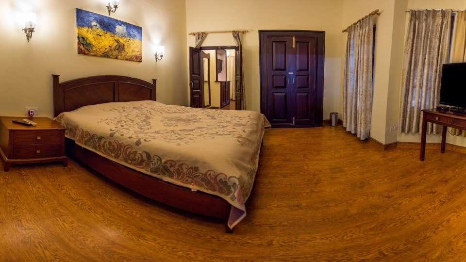 The Pavilion Hotel, Nainital Nainital IMG 0057-Pano