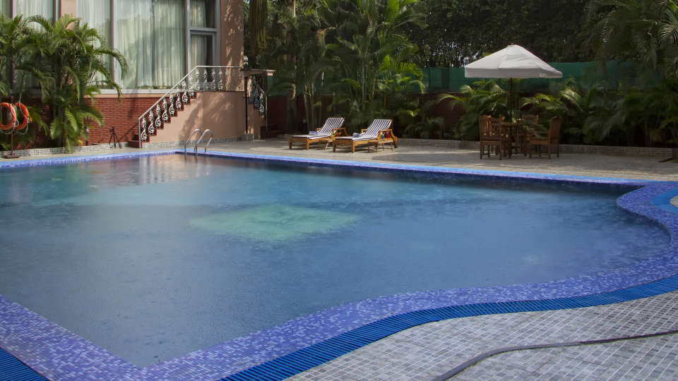 Hotel Swimming Pool, The Piccadily Lucknow, Business Hotel in Lucknow 1