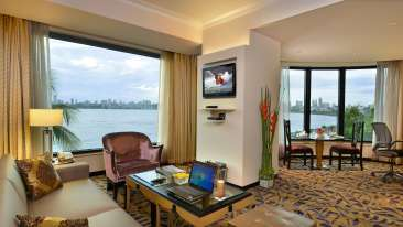 Rooms, Hotel Marine Plaza Mumbai 9