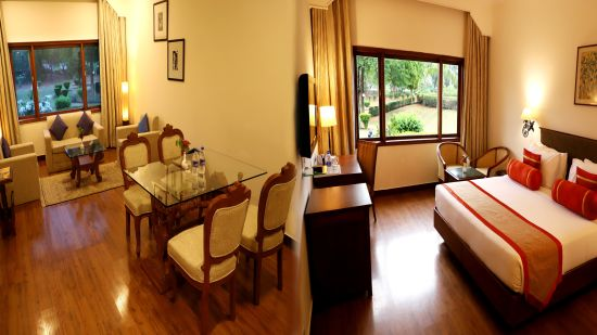 Point 3 Suite Room pic