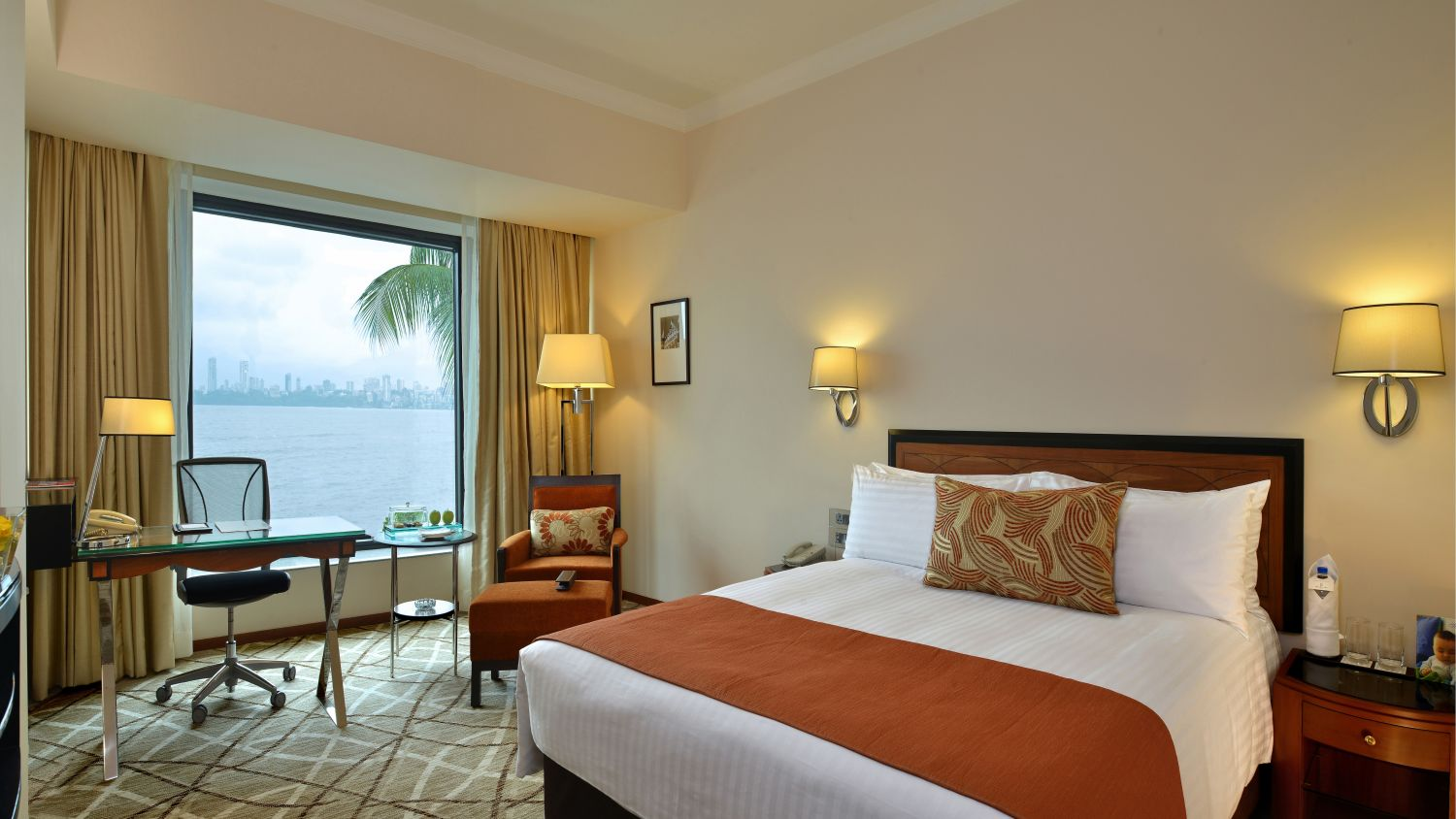 Rooms, Hotel Marine Plaza Mumbai 10