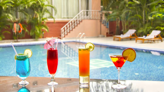 Hotel Swimming Pool, The Piccadily Lucknow, Business Hotel in Lucknow 8