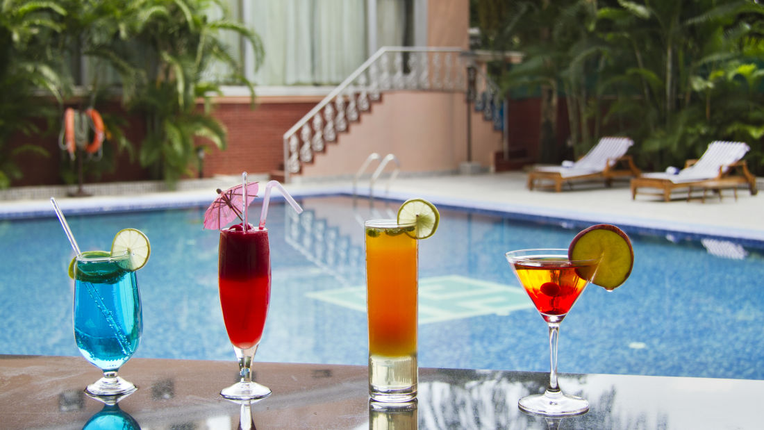 Hotel Swimming Pool, The Piccadily Lucknow, Business Hotel in Lucknow 2