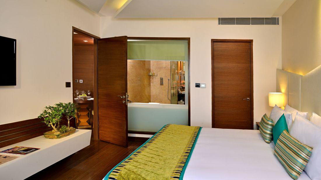 Suite Room, Golden Tulip, Suites in Lucknow