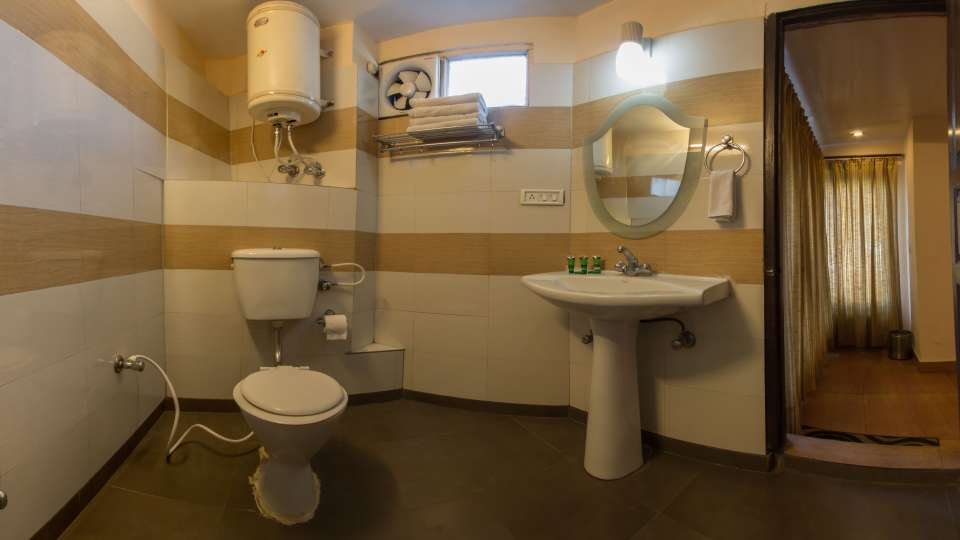 Hotel Himalaya, Nainital Nainital Bathroom