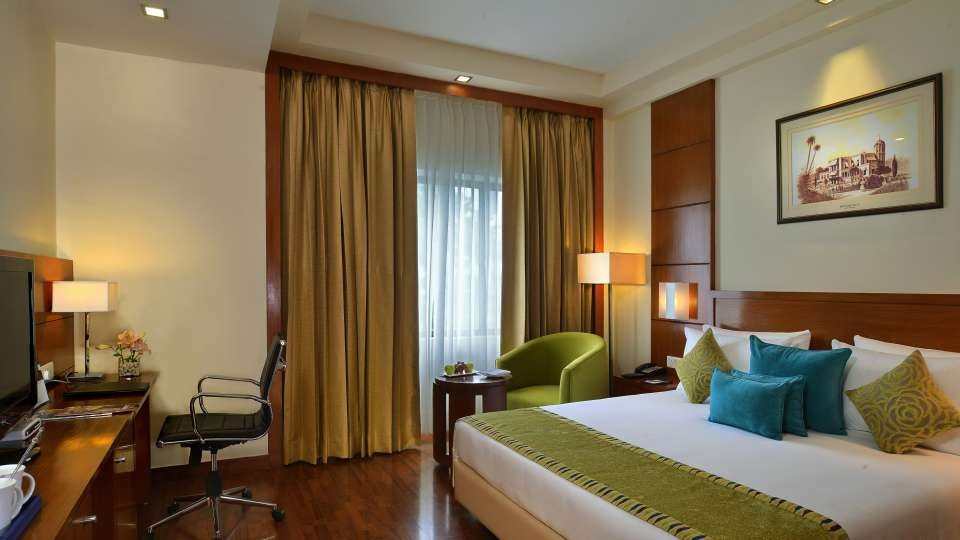 Rooms in lucknow, Golden Tulip, rooms in Lucknow