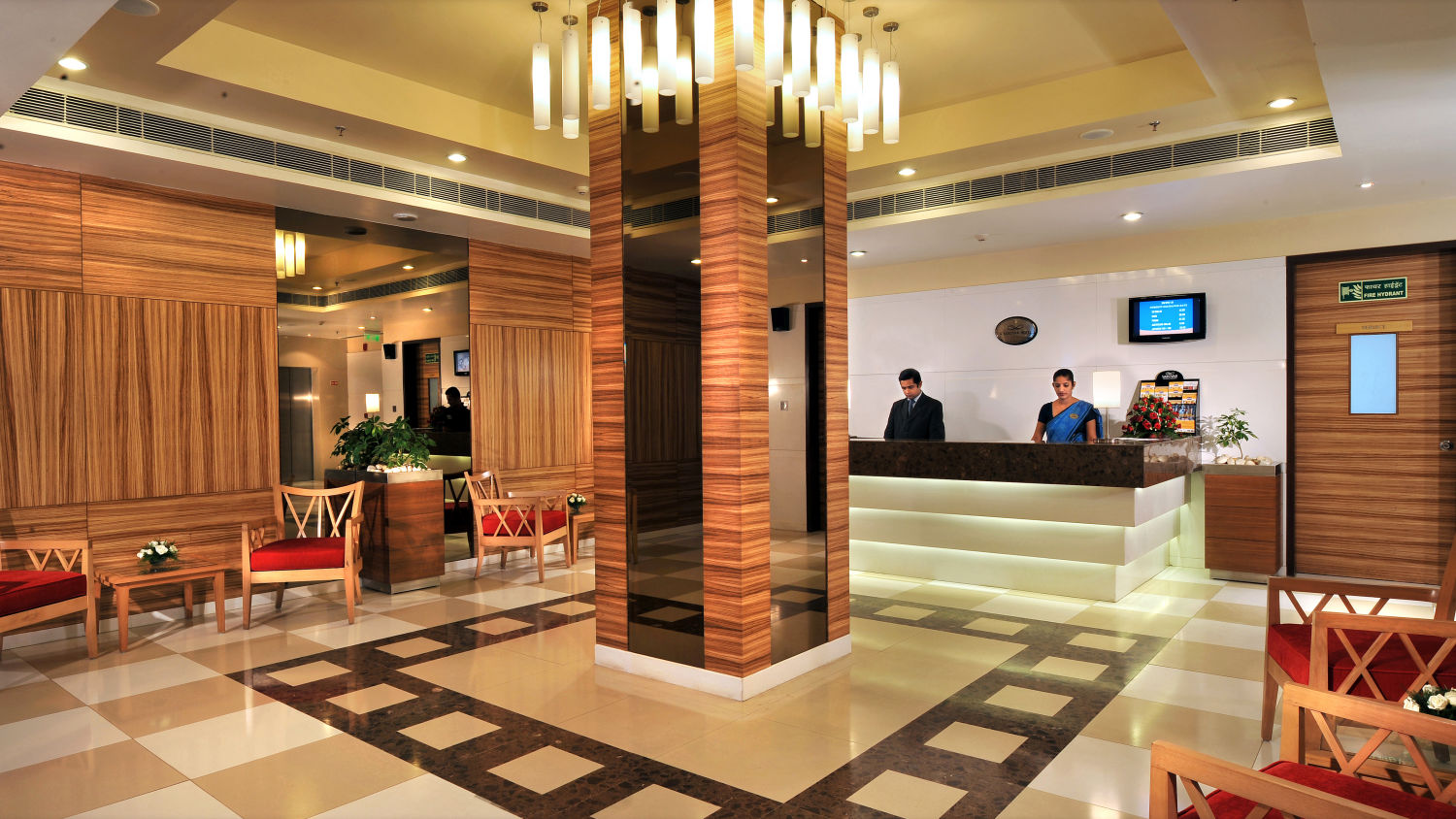 Lobby Hometel Chandigarh 2, best hotels in chandigarh, business hotel in chandigarh