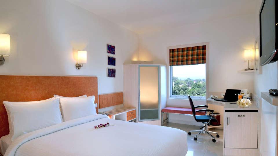 Sarovar Hometel Roorkee Roorkee Premium Room Sarovar Hometel Roorkee 2