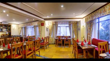 restaurant Summit Le Royale Hotel Shimla